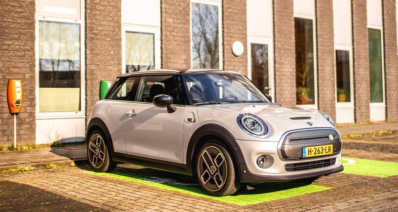 Sales 2020, The Netherlands: Electrics and hybrids shine