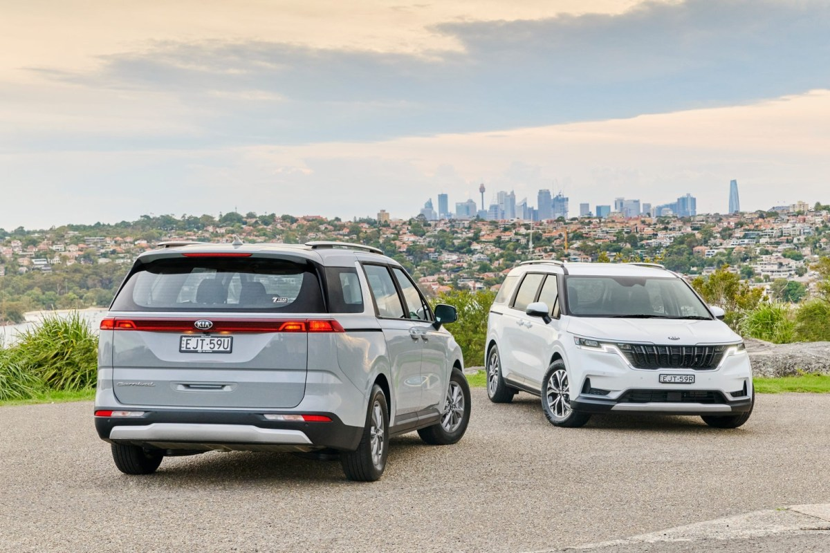 The Kia Carnival debuts in Australia and makes us very envious
