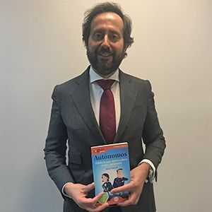 Miguel Arias, socio de KPMG Impulsa ya tiene su GuiaBurros para autónomos