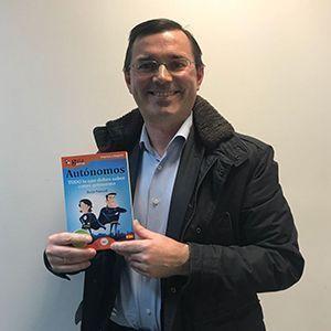Roberto González ya tiene su GuiaBurros para autónomos