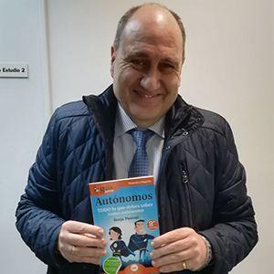Javier Cantera ya tiene su GuíaBurros para autónomos