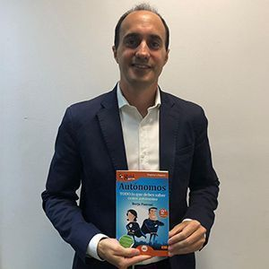 Raúl Tapias ya tiene su GuíaBurros para autónomos