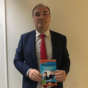Alberto Cabezas ya tiene su GuíaBurros para autónomos