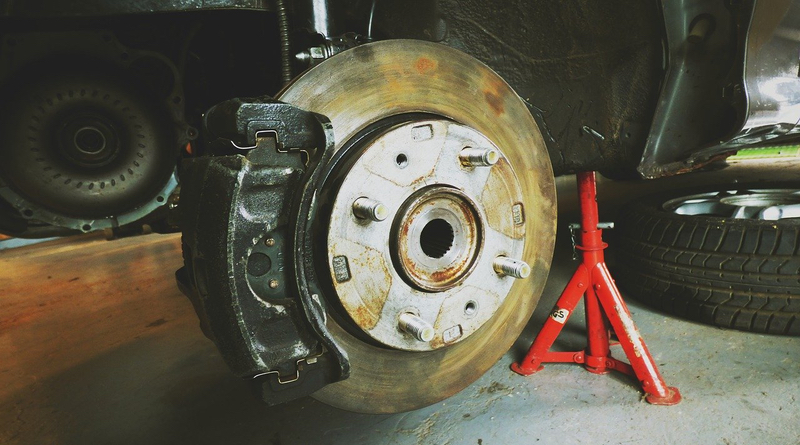 Installing Rear Brake Pads & Rotors on a 2000 Volkswagen Jetta