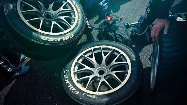 Neumáticos Falken