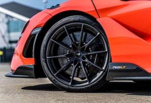 Pirelli y McLaren