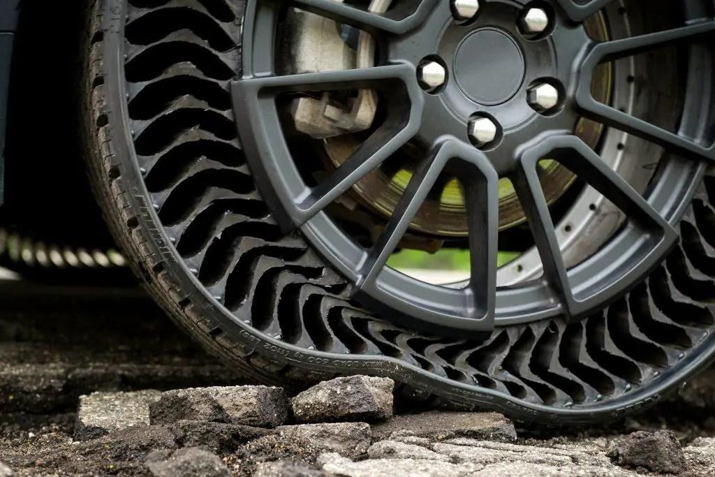 Risultati immagini per pneumatici senza aria