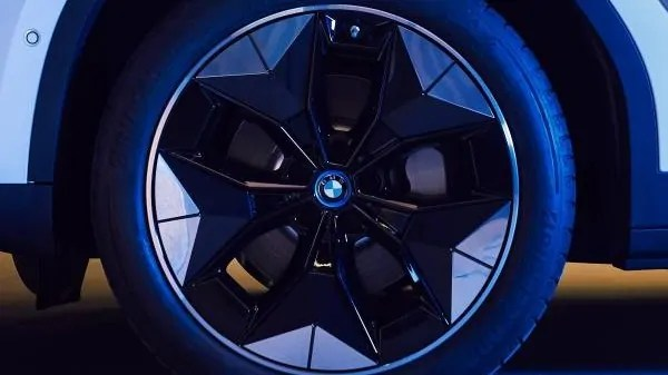 Come si legge BMW? Risponde l'esperto!