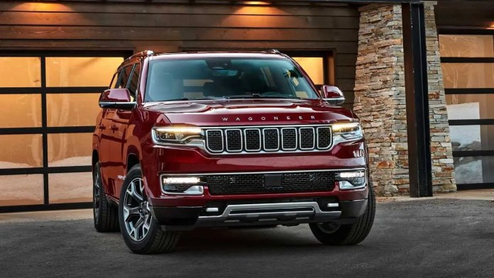 Nuova Jeep Grand Wagoneer 2022, il SUV 7 posti senza veli