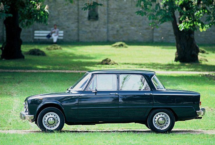 ARHA0354_GiuliaBerlina1962-1978_1024 Storia dell'Alfa Romeo Giulia dalla prima versione del 1963 al 2016, motori, versioni e caratteristiche tecniche