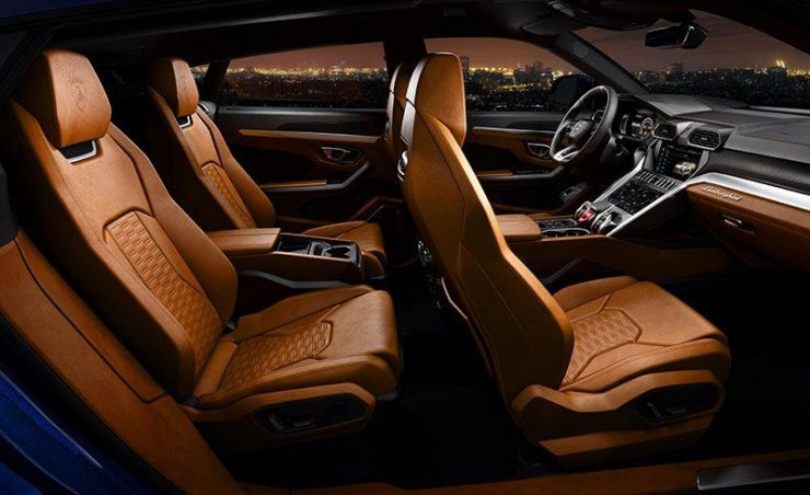 2019-lamborghini-urus-suv-interni La Lamborghini Urus 2019 è veramente la Lambo dei SUV