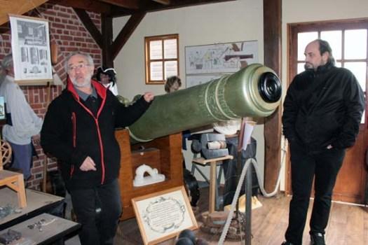 Pièce d'artillerie au canon long de 3m80... Il y en aura 80 sur le Jean BART.