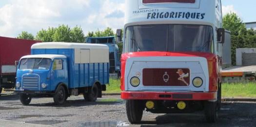 BERLIET GPR k10 frigo 1960: fourgon intégral profilé frigorifique de marque CHEREAU type GR12. Il consacra la première partie de son existence aux transports frigorifiques avant d'être acheté en 1969 par un forain qui l'utilisera jusqu'en 2003.
