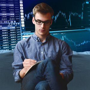 Rendimiento Ajustado al Riesgo de Capital: [Concepto, Implicaciones, Cálculo, Ventajas y Desventajas]