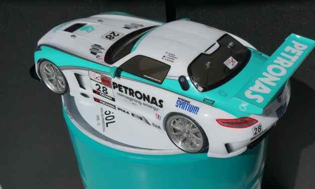 Mercedes SLS AMG – W barwach Petronas