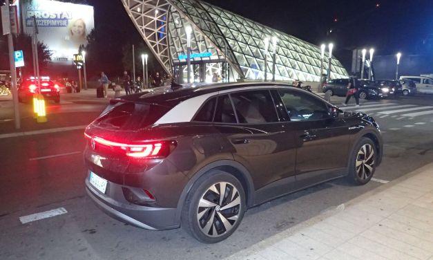 VW ID.4 1st Pro Performance – Płynie z prądem