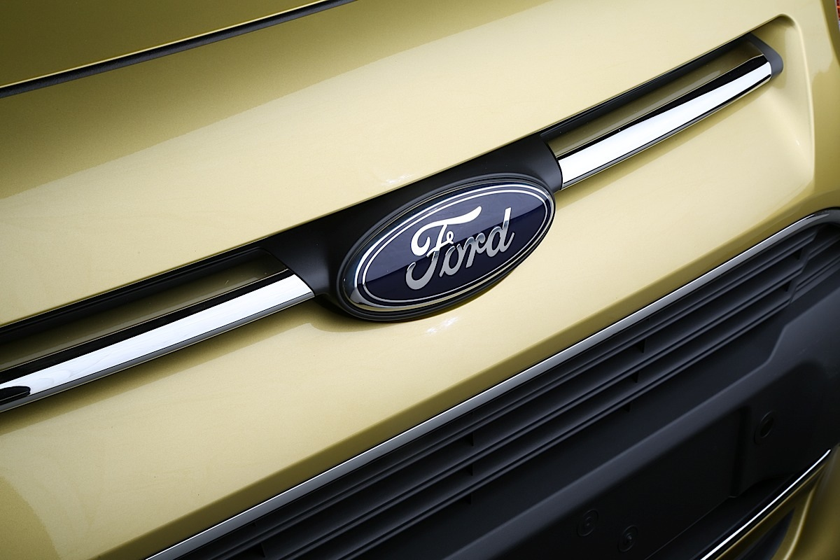 Ford Transit Connect Wagon, badge.