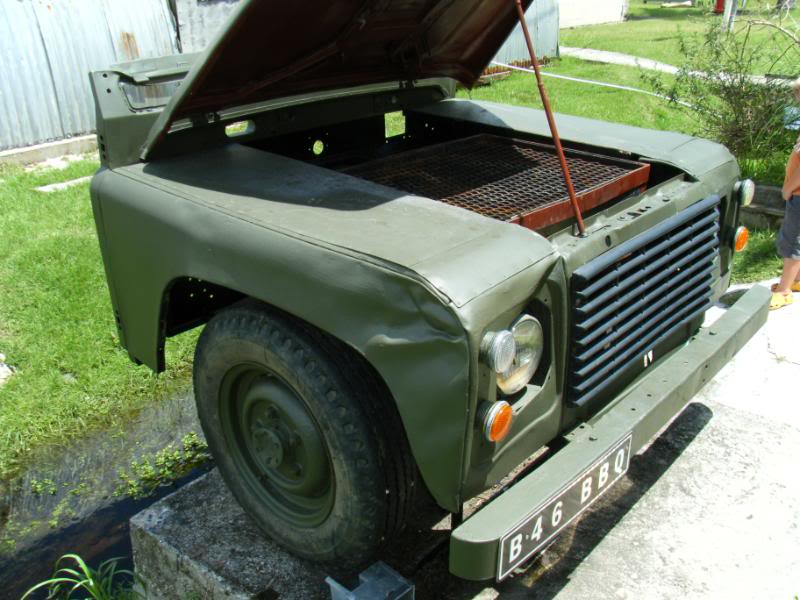 Land Rover Defender BBQ