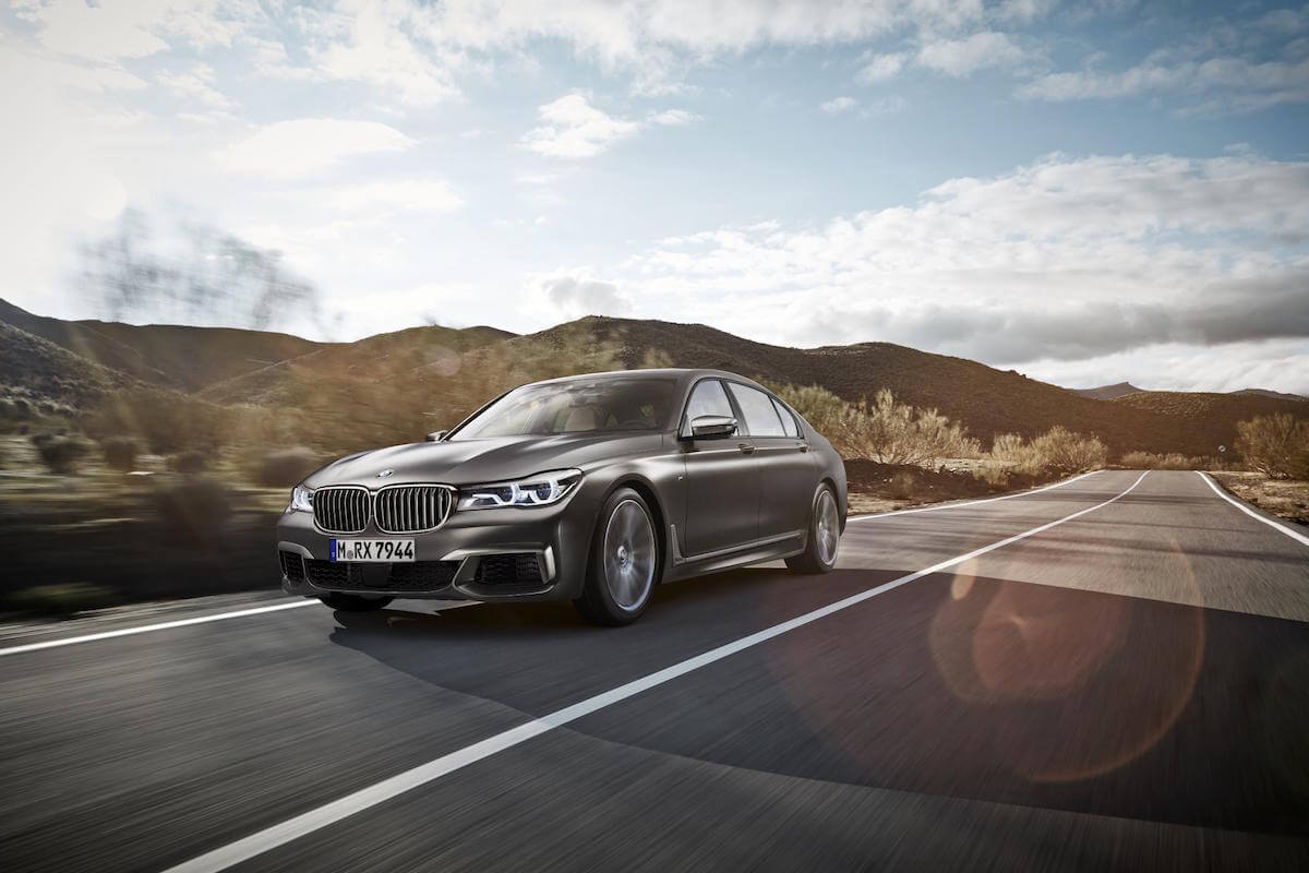 2017 BMW M760i xDRIVE Picture 6