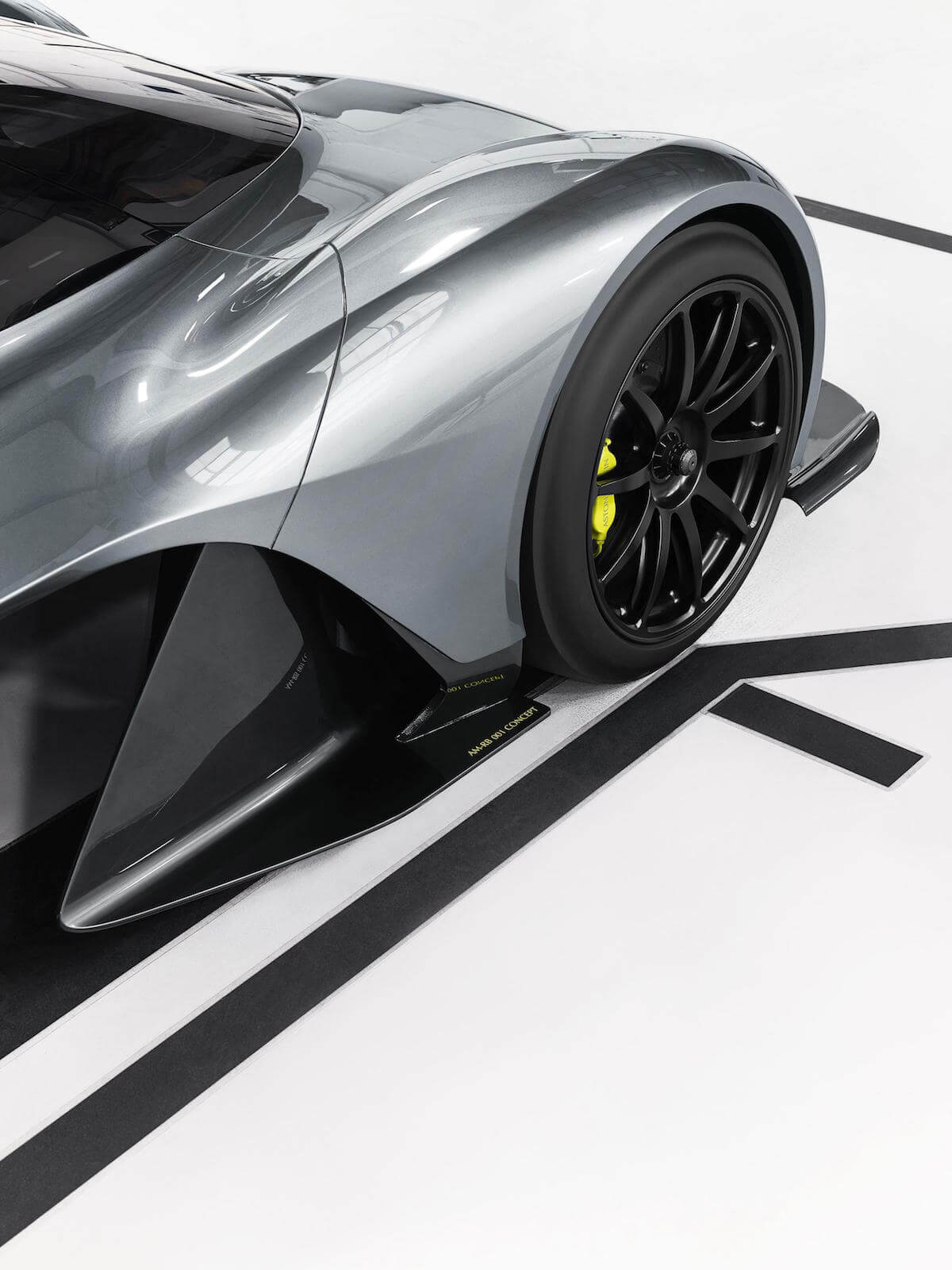 Aston Martin Red Bull AM-RB 001 Hypercar 7