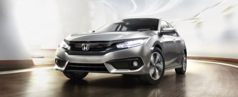 "Honda Civic wins ""Best Compact Sedan"" of the year at the Middle East Car of the Year Awards 2017"