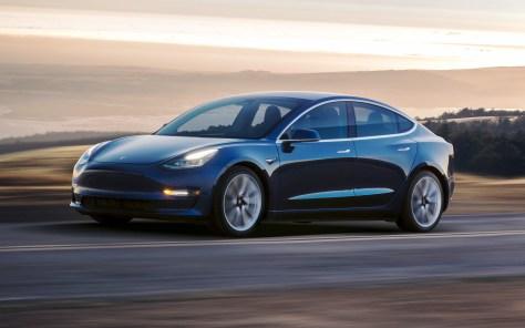 Tesla Model 3-01