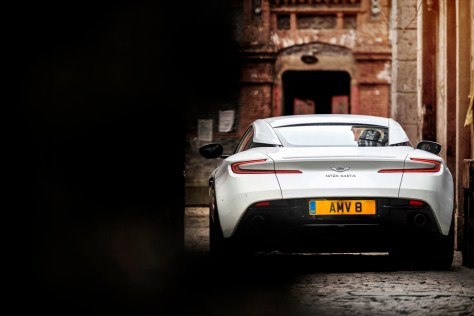 Aston Martin V8 Vantage -rear shot