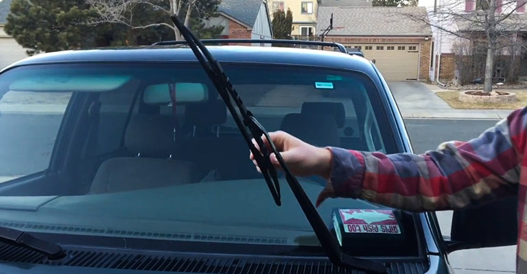 How to Change Windshield Wiper for 2018 Toyota 4runner FI