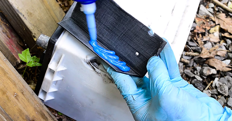 How to Fix a Leaking Car Battery FI