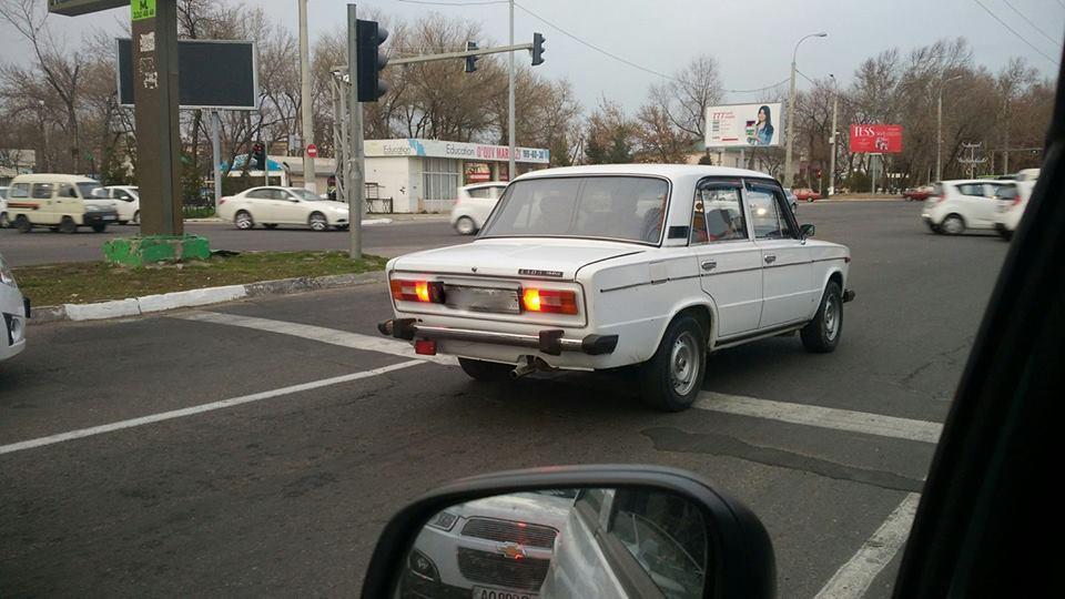 Водитель нарушает ПДД в Ташкенте
