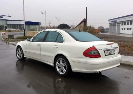 Mercedes-Benz W211 E200 Avantgarde / 2007 год / пробег: 148,00 км / цена: 23,000$