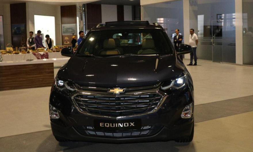 Показ Chevrolet Equinox в автосалоне GM Uzbekistan