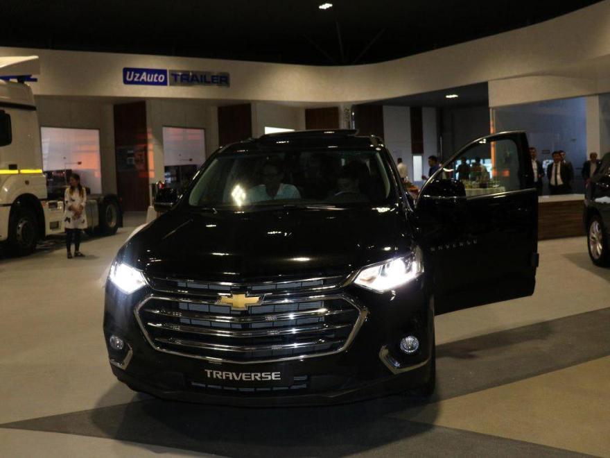 Показ Chevrolet Traverse в автосалоне GM Uzbekistan