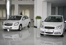 Chevrolet Cobalt и Chevrolet Nexia R3 в автосалоне в Узбекистане