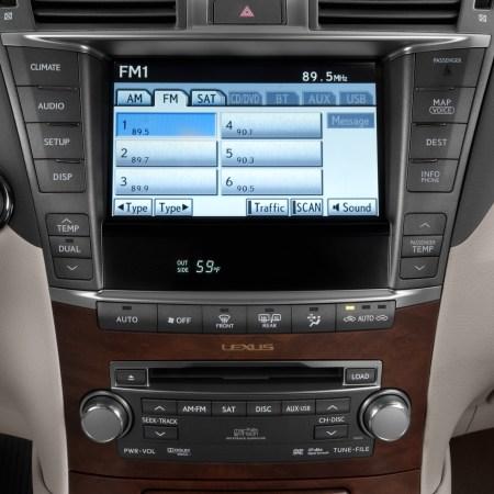 Lexus LS Navigation System for Repair