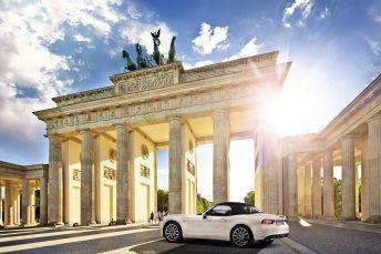 160225_Fiat_124_Spider_BERLINO