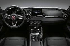 160301_Fiat_124_Spider_09