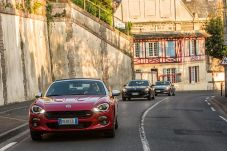 170424_Fiat_124_Spider_sweeps_France_03