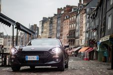 170424_Fiat_124_Spider_sweeps_France_44