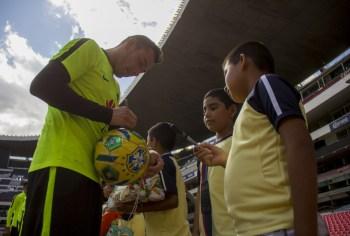 TOTAL y el Club América celebran el día de reyes con una buena causa