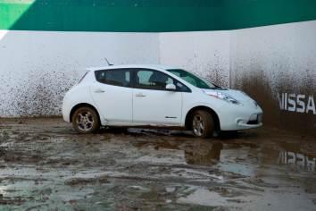 Nissan LEAF, ahora más limpio con la pintura Ultra-Ever Dry
