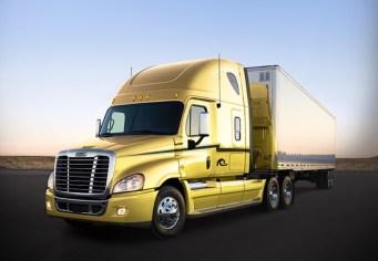 Daimler entrega 60 unidades a Transportes Quintanilla