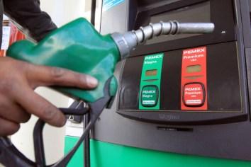 Otorgan primeros permisos para importar  gasolina y diesel