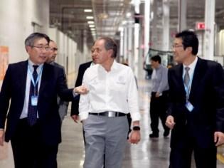 Inauguran AGC Automotive México en SLP