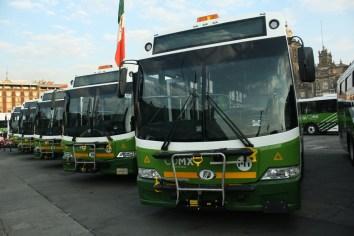 DINA entrega nuevos camiones a la CDMX