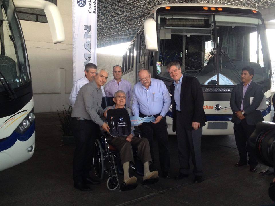 Grupo Huerta entregó Volksbus a Purhépechas
