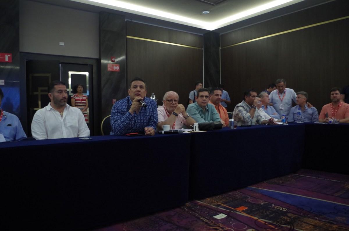 Trato desigual al autotransporte mexicano en renegociación del TLCAN