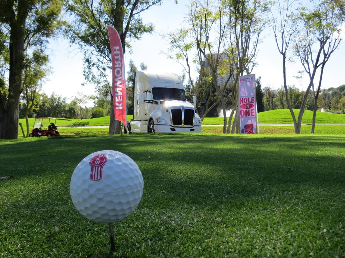 Kenworth refuerza lazo con clientes a través de su Torneo de Golf