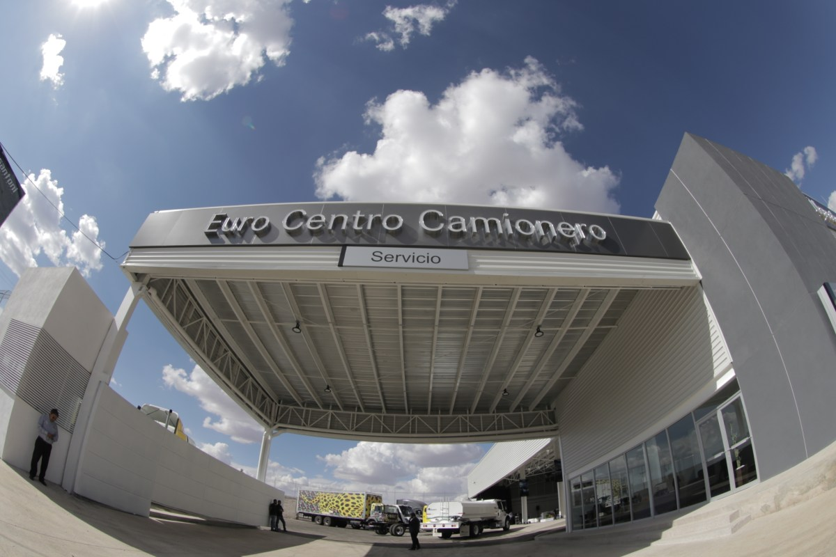 Daimler y Euro Centro Camionero estrenan sucursal en Zacatecas