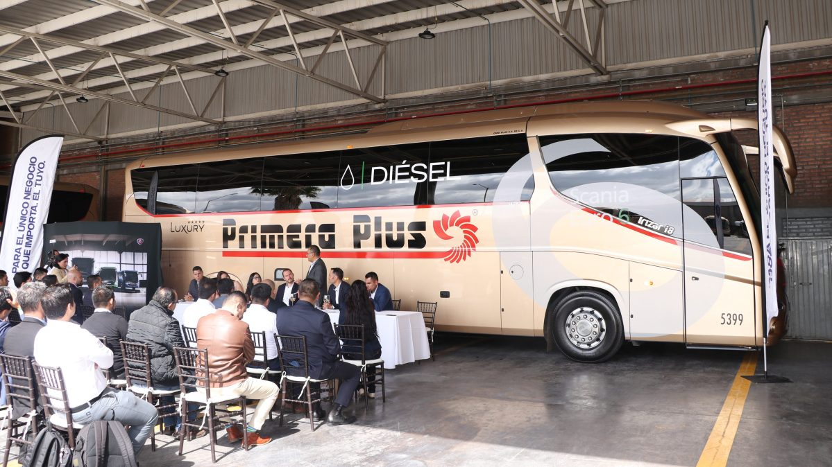 Inaugura Scania taller 51 y entrega «el autobús más limpio de México»